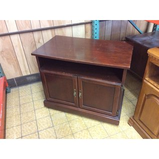"19x32 1/2x27"" Wood TV stand on castors (6/6/18)"