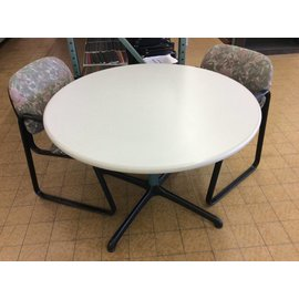 "42"" Round dining table (6/6/18)"