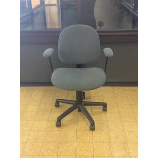 Gray Desk Chair w/ Arms And Castors (6/12/18)