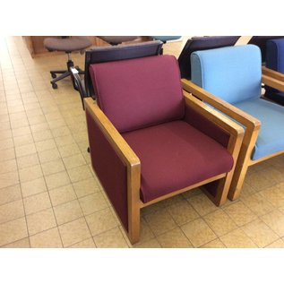 Maroon wood frame lounge chair (7-25-18)