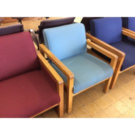 Lt blue wood frame lounge chair (7-25-18)