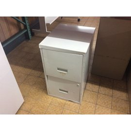 "18x15x25 1/2"" White Metal 2 Drawer Cabinet (9/12/18)"
