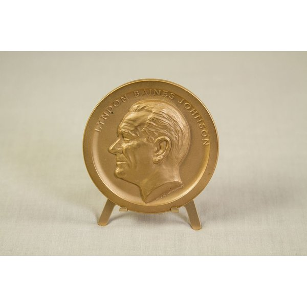 ORIGINAL LBJ INAUGURAL MEDAL IN BRONZE - 1965