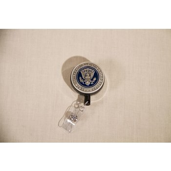 Patriotic PEWTER DETAIL PRESIDENTIAL SEAL BADGE REEL