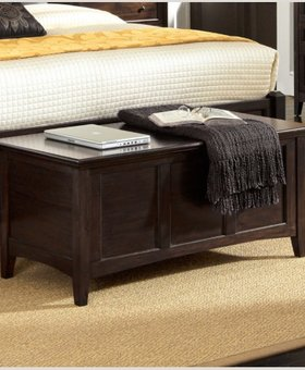 BEDROOM WESTLAKE CEDAR LINED BLANKET TRUNK DARK MAHOGANY FINISH