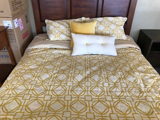 ACCESSORIES MISCELLANEOUS DUVET AND PILLOW BEDDING