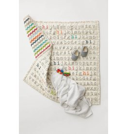 Petit Pehr Organic Activity Quilt - Alphabet