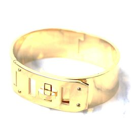 Tarah Off The Cuff Bracelet