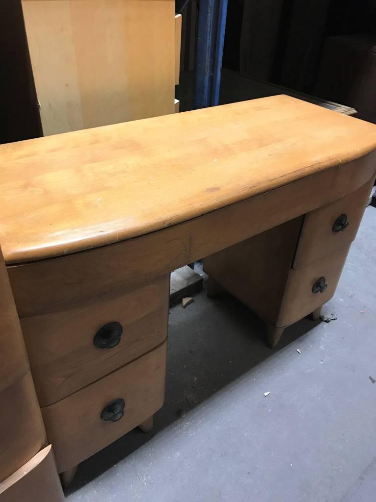 Queens Designer Heywood Wakefield  Desk #YEL