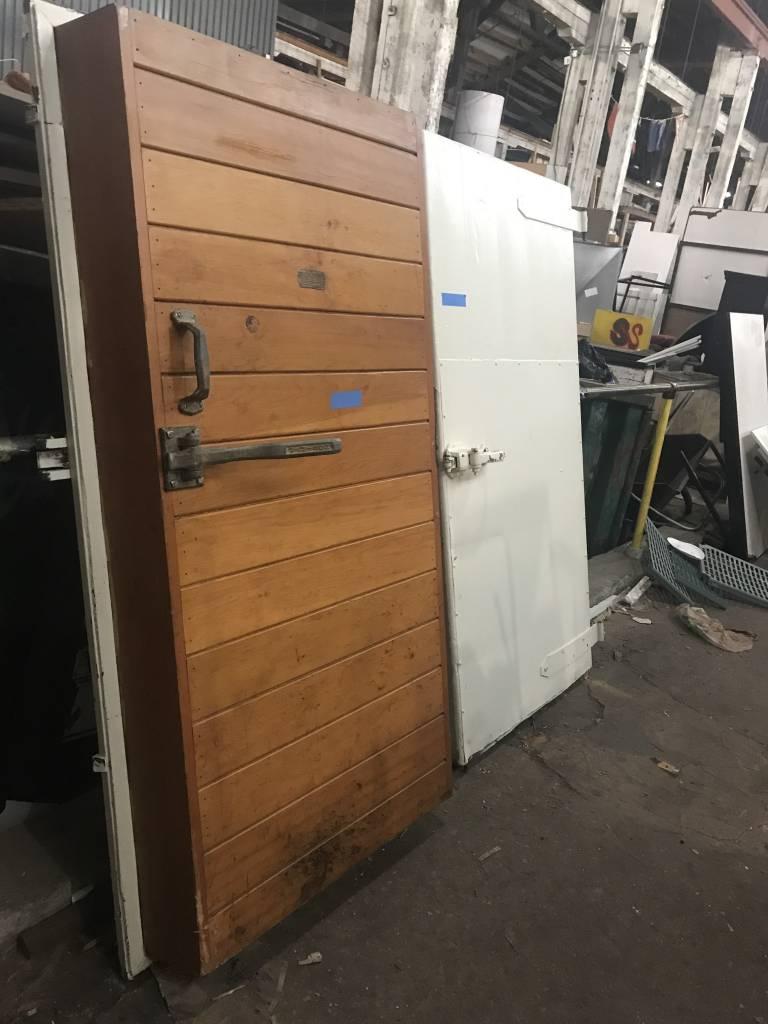Queens Jamison Bi-parting Cold Storage Doors #BLU