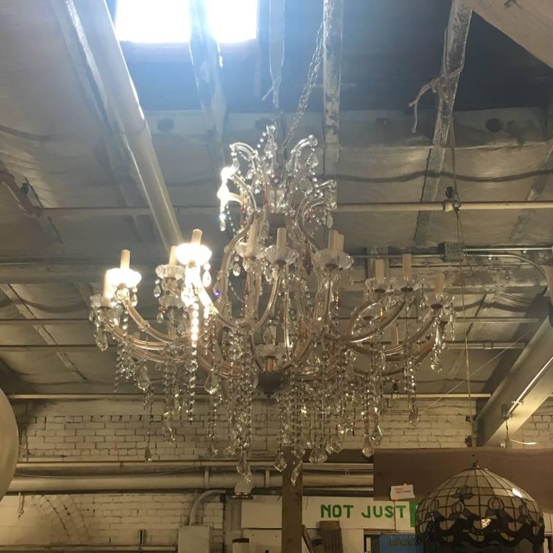 Brooklyn Oversized Crystal Chandelier #WHI