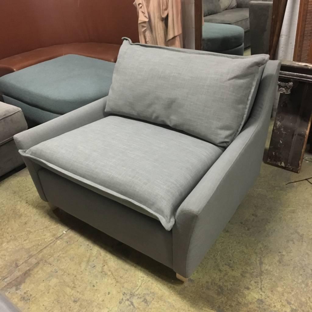 Brooklyn Tweed Chair #RED Brooklyn Tweed Chair #RED