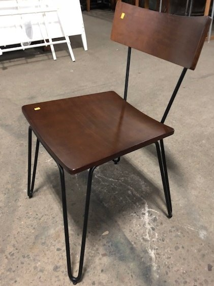 Queens Walnut And Steel Hairpin Designer Chair#Red