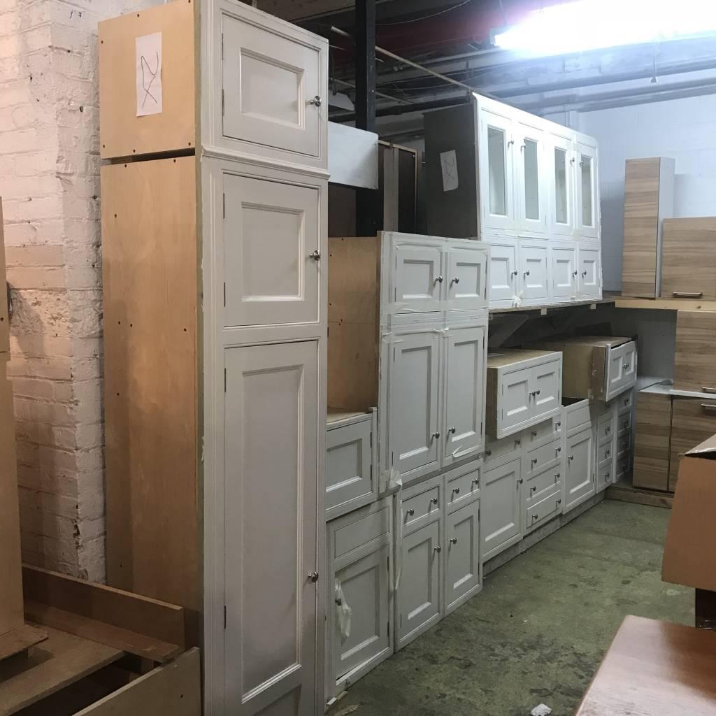 Blanco Modern Craftsman Cabinet Set #YEL