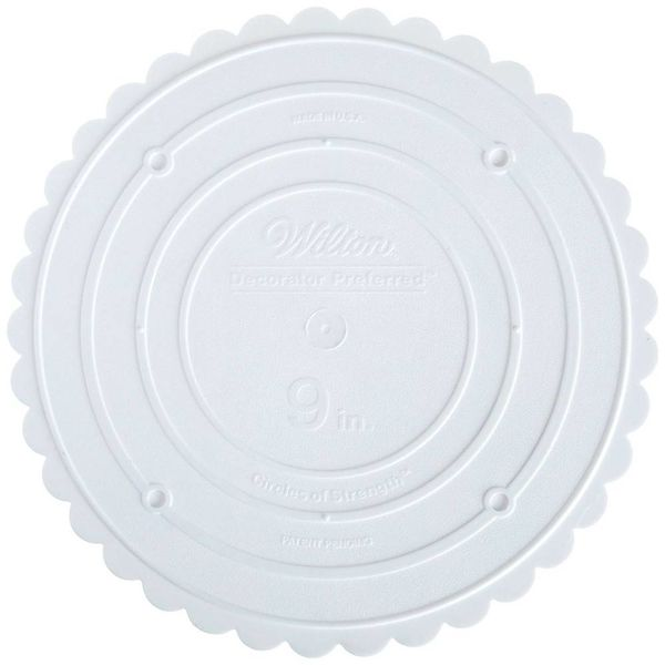 "Assiette séparatrice 9"" à rebord festonné ""Decorator Preferred"" de Wilton"