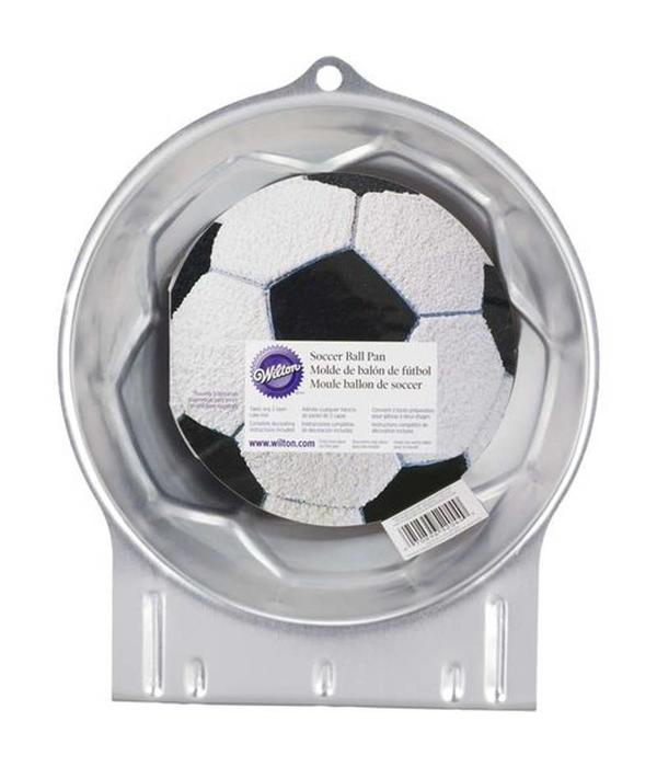 moule g teau en forme de ballon de soccer de wilton ares cuisine. Black Bedroom Furniture Sets. Home Design Ideas