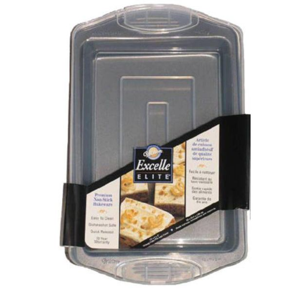 Wilton Excelle Elite Oblong Cake Pan with Cover