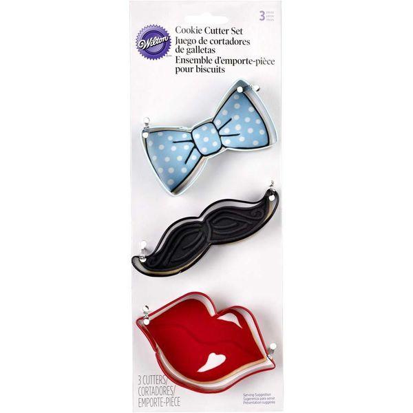 Ensemble d'emporte-pièces noeud papillon, moustache et lèvres de Wilton