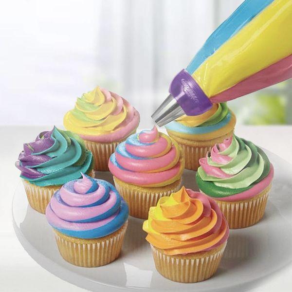 """Coupleur à 3-couleurs """"Color Swirl"""" de Wilton"""