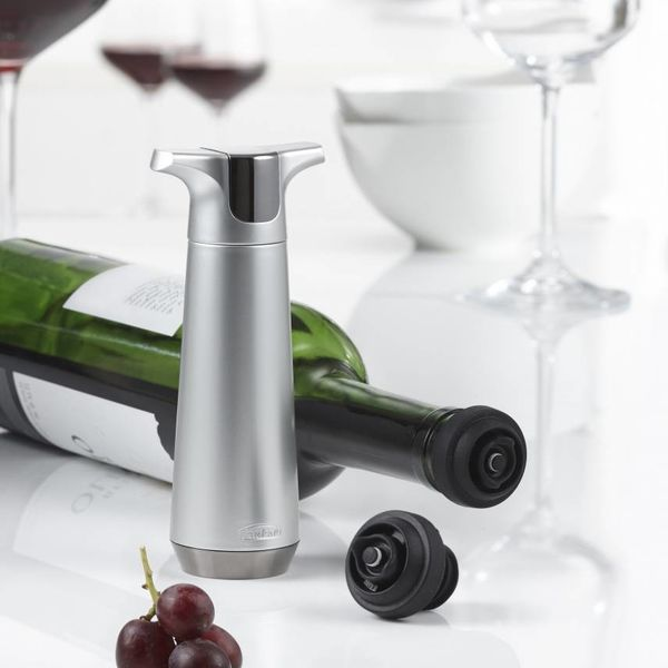 Trudeau Wine Pump and  2 Stoppers