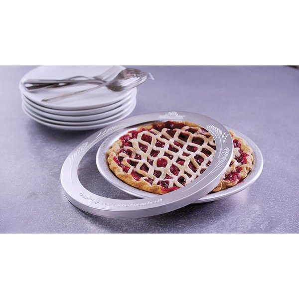 Doughmakers Pie Pan With Crust Protector