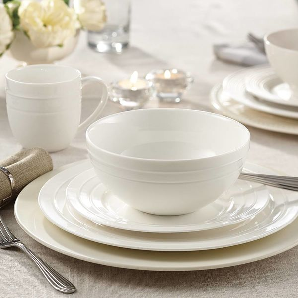 "Mann 16-Piece  ""Circa"" Dinnerware Set"