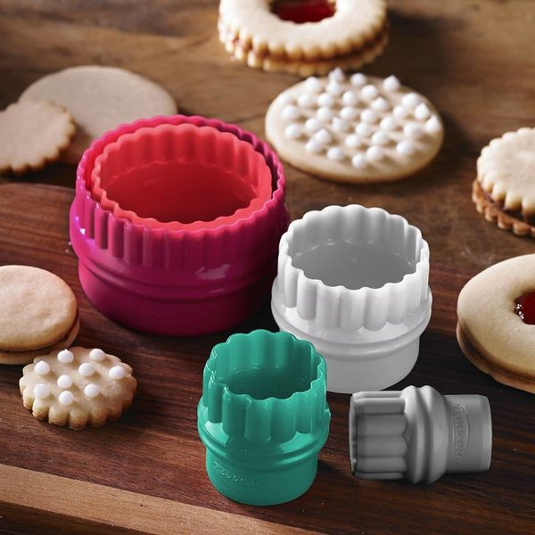 Trudeau La Pâtisserie Set of 5 Round  Cookie Cutters
