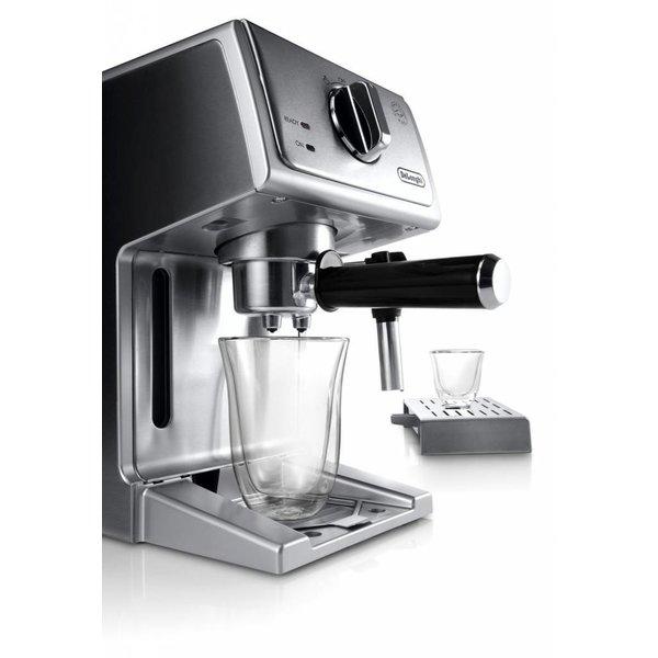 Machine à espresso et cappuccino ECP 3630 Delonghi