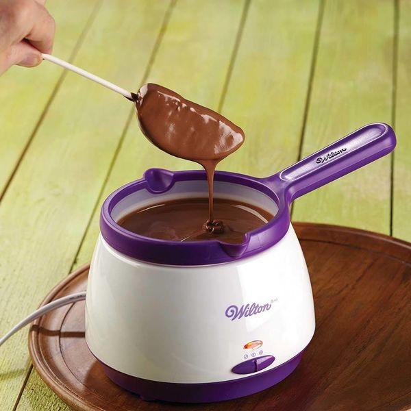Tempéreuse à chocolat par Wilton