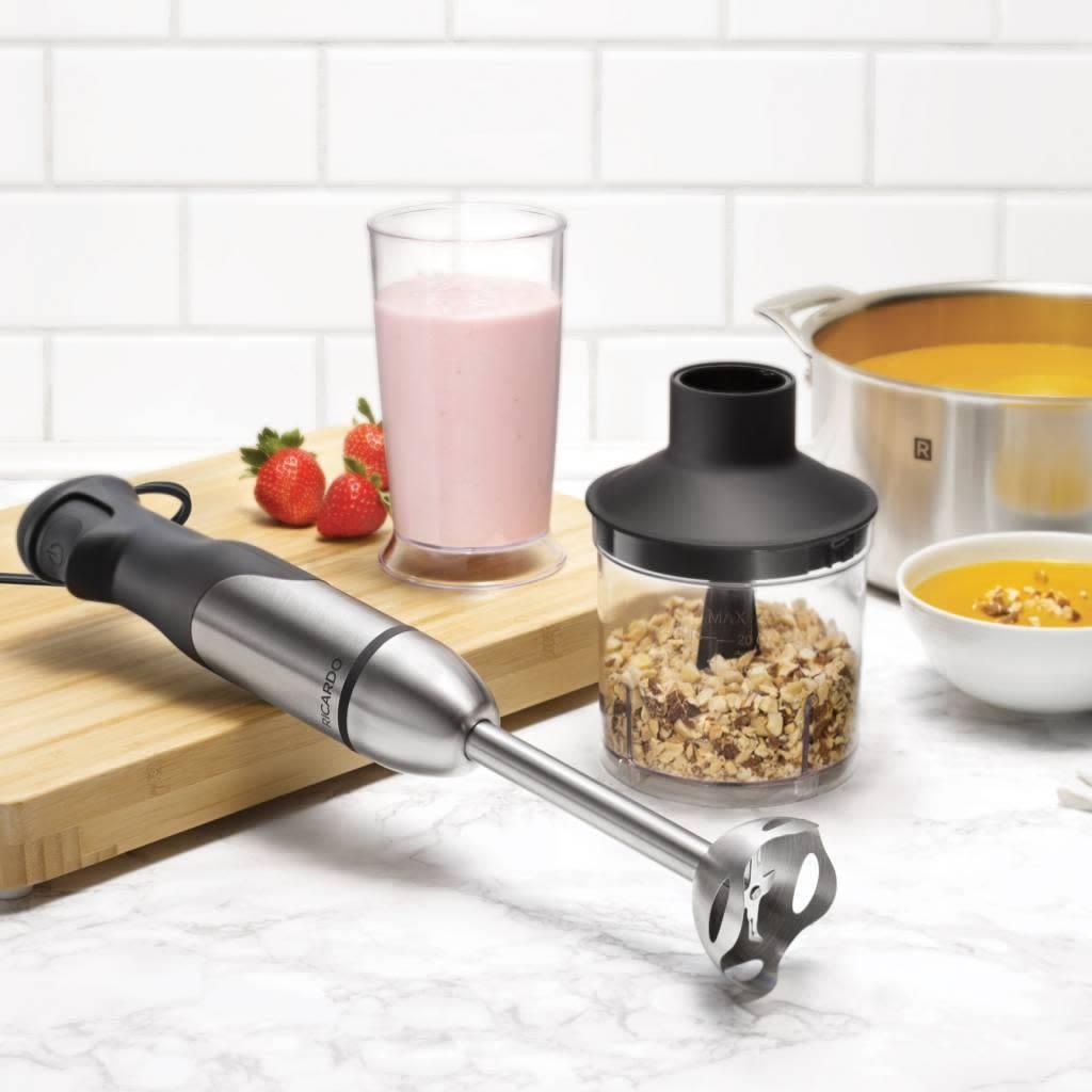 M langeur main 300w par ricardo accessoires de cuisine for Tablier de cuisine ricardo