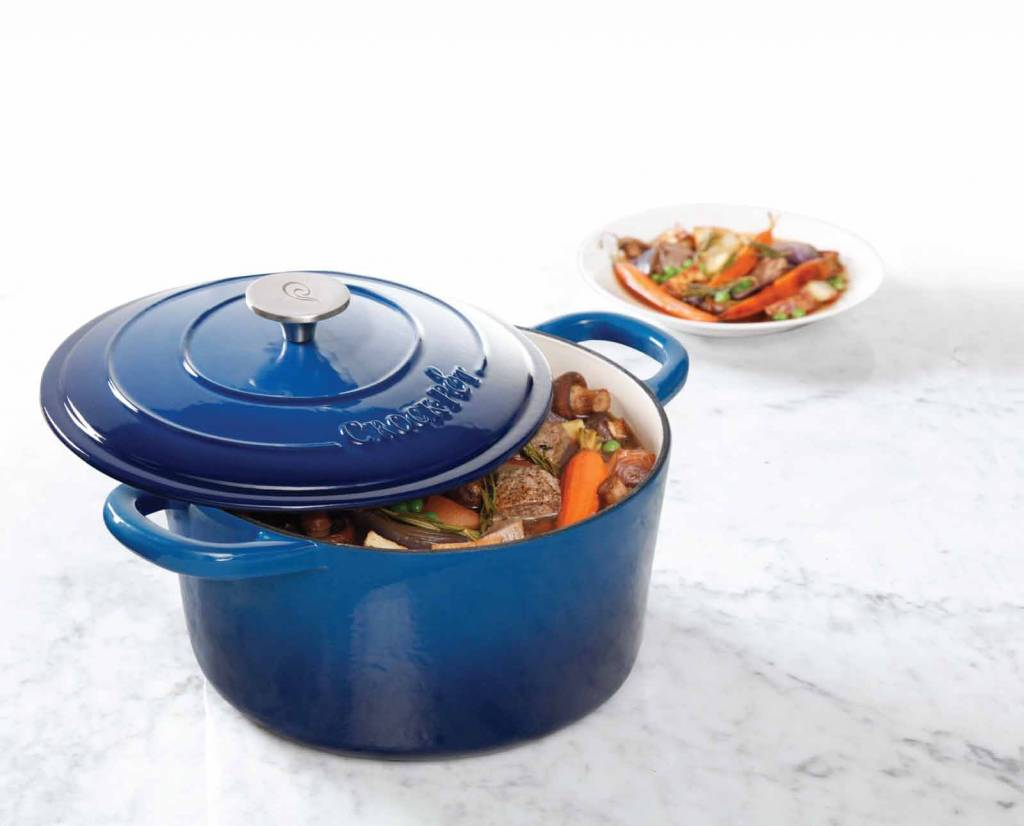 casserole en fonte maill e ronde 5qt bleu de crockpot b ares cuisine. Black Bedroom Furniture Sets. Home Design Ideas