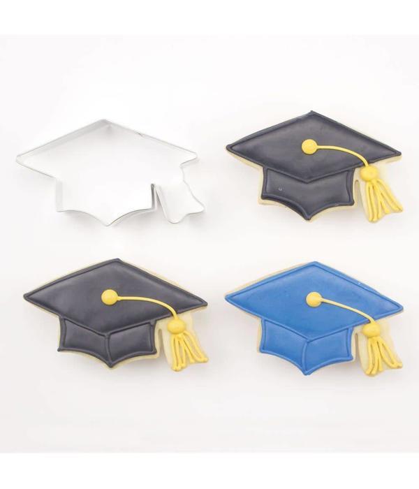 """Emporte-piece chapeau graduation 4.38"""" par Ann Clark"""