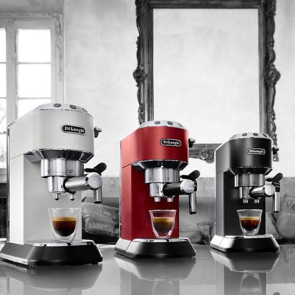 Machine à espresso et cappuccino Dedica Deluxe Rouge de De'longhi