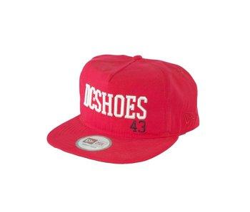 Wavy M Hat