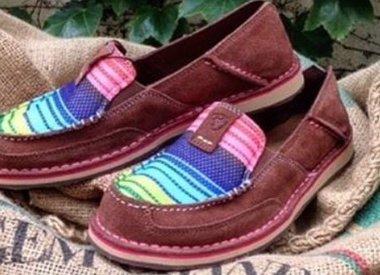 Shoes & Moccasins