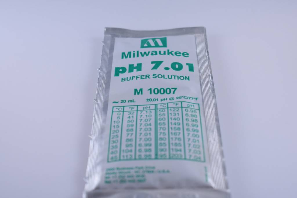 7.01 pH Pouch Calibration Buffer Solution