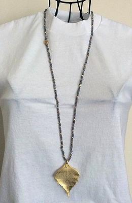Gaby Ray Medium leaf pendant necklace