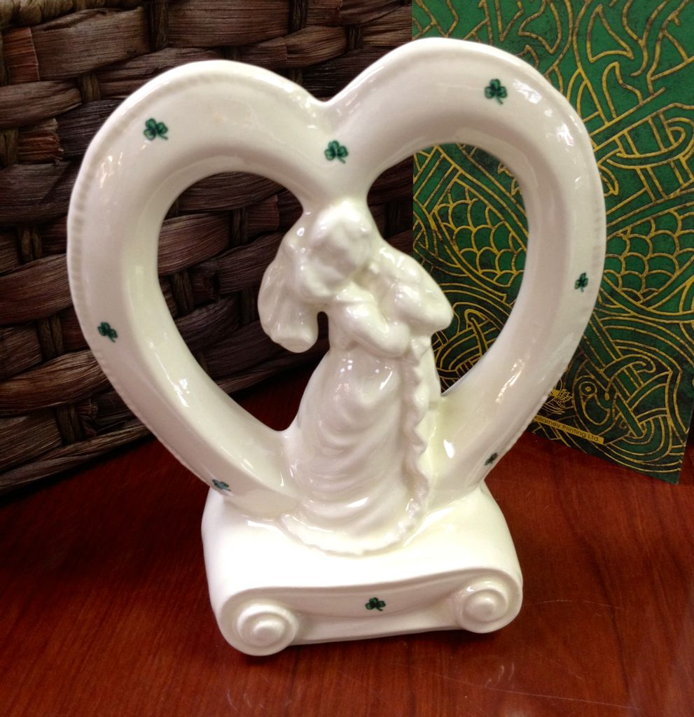 Cake Toppers And Accessories : WEDDING ACCESSORIES HEART BRIDE & GROOM CERAMIC CAKE ...