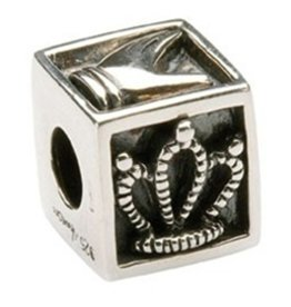 BEADS TARAS DIARY SQUARE CLADDAGH BEAD