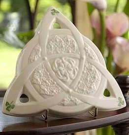 TRADITIONAL IRISH GIFTS BELLEEK CELTIC WALL PLAQUE