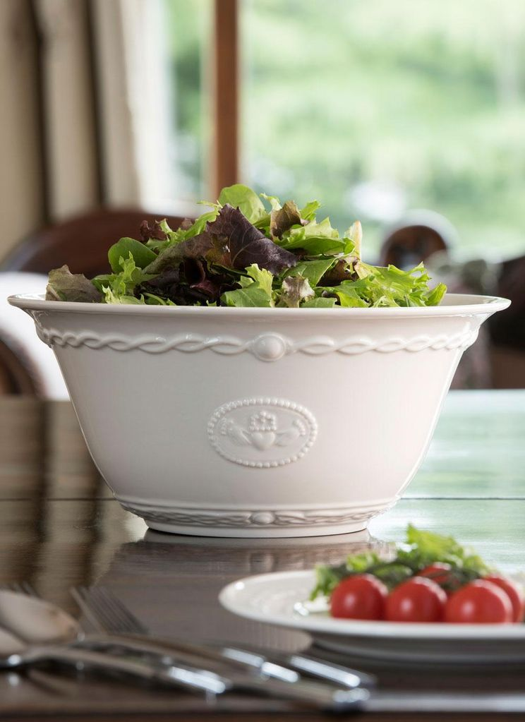 VASES & BOWLS BELLEEK CLADDAGH SERVING BOWL