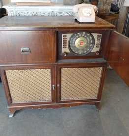 Vintage Crosley Radio & Record Player