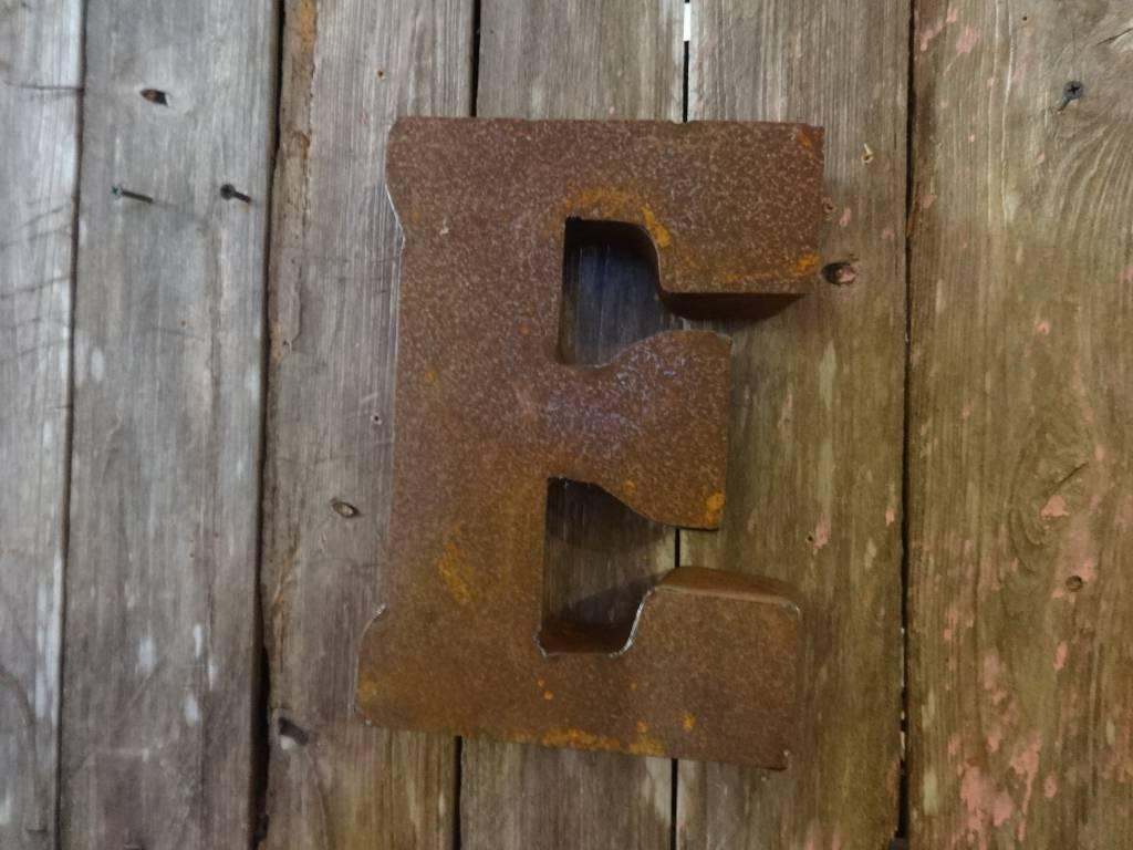"""10"""" Tin Letter E"""