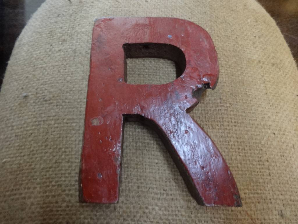 "7"" Teak Boat Letter R"
