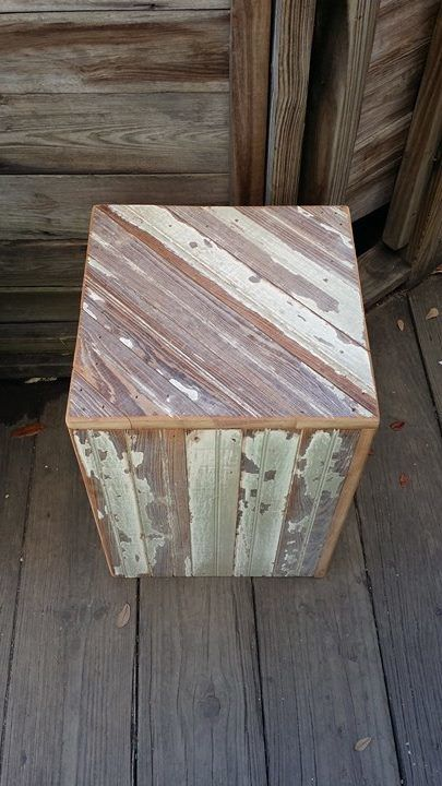 Reclaimed Red & White Pedestal XL