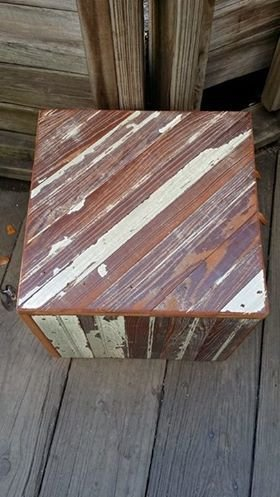 Reclaimed Red & White Pedestal Sm