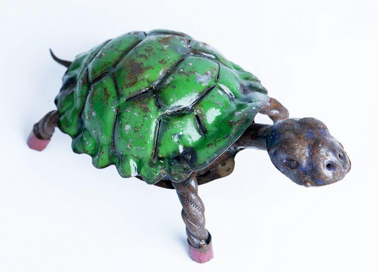 """RCY Turtle 4 3/8""""H x 10""""L x 5""""W"""