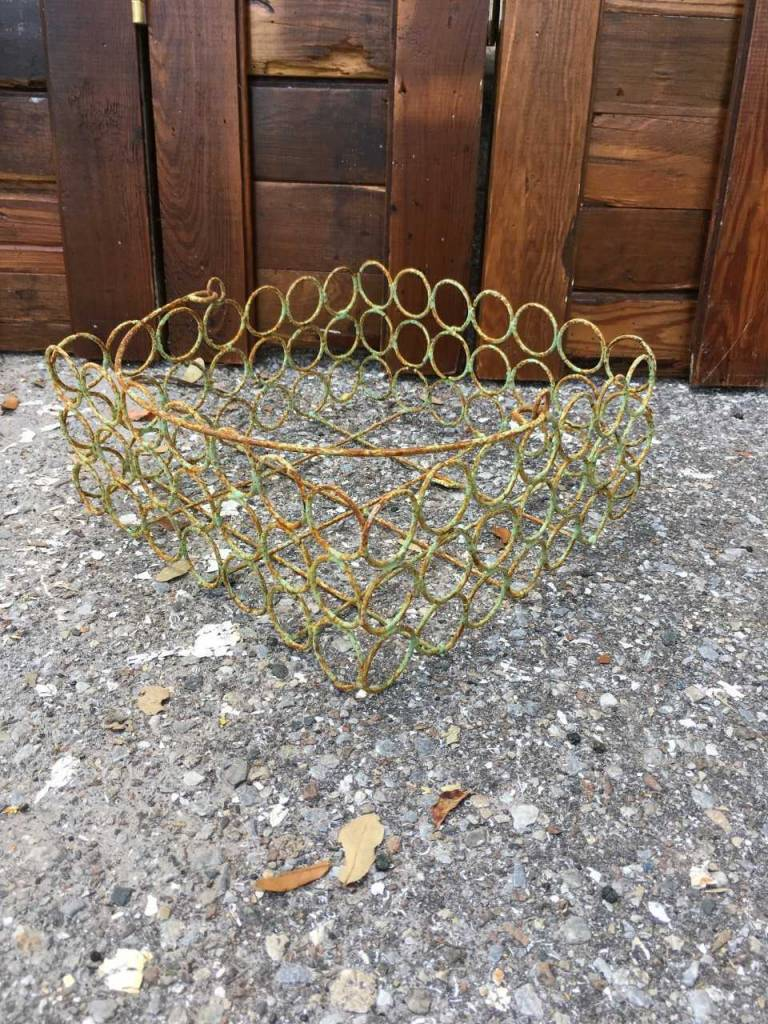 Sm Circle Wire Basket
