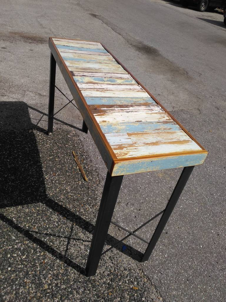 Beadboard Console With Metal X-Base