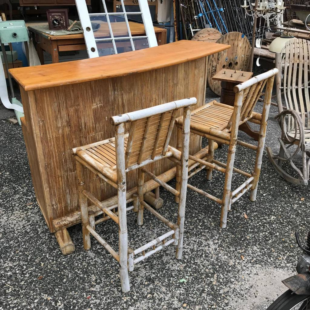 Bamboo Bar With Stools